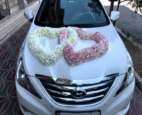 دسته گل و ماشین عروس